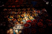 Al Jazeera feature on the Ponte Building and surrounding areas in Johannesburg CBD, South Africa. Tomatoes being sold on the street. . Picture: Cornel van Heerden/Al Jazeera